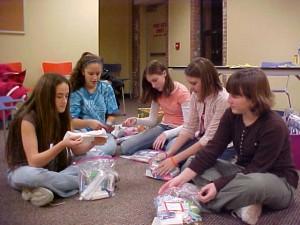 teen-volunteers on volunteer screening blog